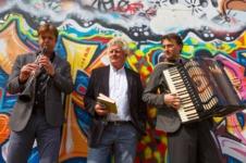 """""""Plodere und Chodere"""" Tony Ettlin und  Air Collage"""