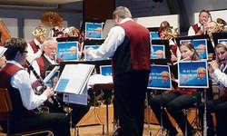 Die Musikgesellschaft Oberiberg wusste in der Mehrzweckhalle Moos mit ihren Beiträgen zu überzeugen. Bilder Martin Reichmuth
