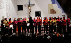 Die Einsiedler Gospelsingers wussten mit ihrem Adventskonzert die Herzen der zahlreichen Besucher zu erwärmen. Bild zvg