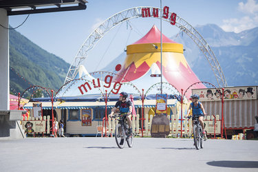 Der Zirkus Mugg in Betwschwanden (Glarus Süd) ist einer der sechs Nominierten für den Prix Montagne 2018 (Bild: Samuel Trümpy Photography)