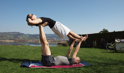 Acro Yoga at Juckerhof