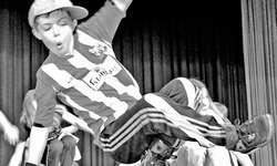 60 Jugendliche übten sich im Breakdance und die Jugendlichen lernten schnell. Bild Kira Leuthold