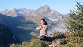 Rando-yoga (© Parc naturel régional Gruyère Pays-d'Enhaut)