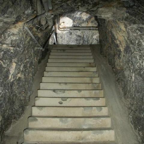 Aufgang in den Beobachterteil des Festungswerks KP Heinrich