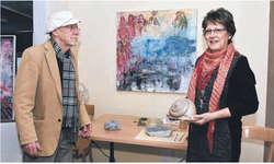Die Ausstellung des Künstlerpaars Irma Sommer Ehrat und Aschi E. Ehrat trägt den Titel «Kunst und Käse».  Bild Hans Ueli Kühni