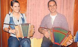 Nicole Schilter und Christian Rickenbacher aus Lauerz präsentierten ihre Schmuckstücke.