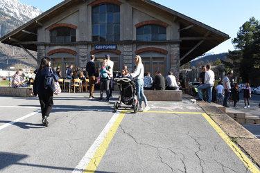 Gepäckausgabe-Vernissage im Güterschuppen Glarus