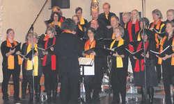 Die Gospel Singers Einsiedeln freuten sich über den Riesenapplaus. Foto: Marianne Schönbächler