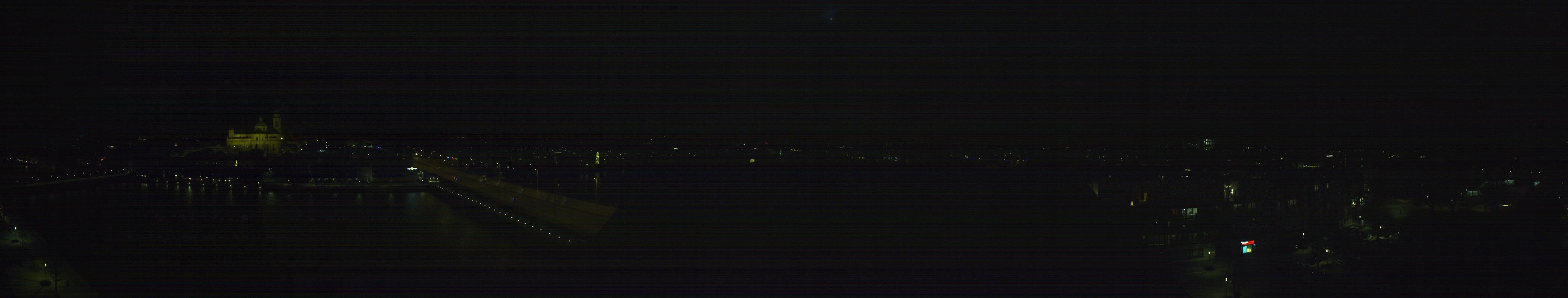 22h ago - 19:00