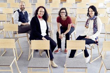 Geschäftsstellen-Leitende v.l.n.r. Richi Küttel (AR/SG), Danièle Florence Perrin (GL), Kati Michalk (AR/SG), Stefanie Kasper (TG) (Foto: Ueli Steingruber)
