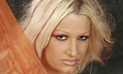 Nikki bleibt sich treu: Mit rockig-popigen Klängen möchte sie am internationalen Eurovision Song Contest punkten. Bild zvg