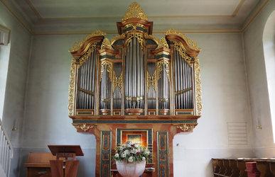 Gregorianische Gesänge und Orgelmusik