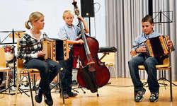 Ob solistisch oder als Gruppe: Die Ybriger Musikschüler wussten mit ihren Auftritten zu gefallen. Foto: Kurt Fässler