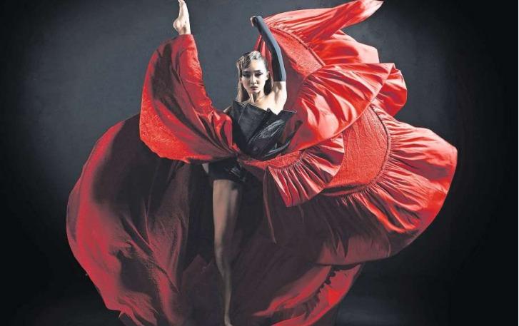 Eine der Aufnahmen einer Balletttänzerin des Zuger Fotografen. (Bild Pit Bühler/PD)