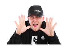 DJ Ivan Fillini in der Stoos Hüttä