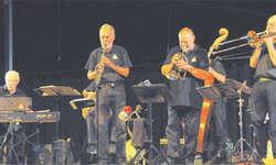 Die Old Man River Jazzband bot in Galgenen stompige New Orleans-Nummern. Bild Kurt Kassel