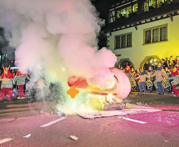 Die Verbrennung des Räbechüngs war auch dieses Jahr wieder ein imposantes Schauspiel. (Bild Christian H. Hildebrand)