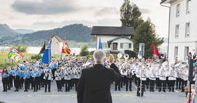 Beeindruckend war das gemeinsame Konzert am Schluss mit rund 300 Musikanten unter der Leitung von Walo Schönbächler.