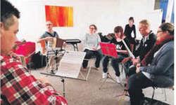 Die BSZ-Band bereitet sich auf Aufführungen im Sommer vor.  Bild zvg