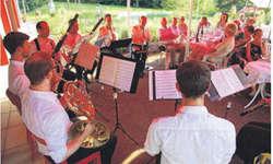 Auch die zahlreichen Zuhörer genossen den idyllischen Kammermusik-Abend.