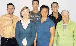 Einsatz fürs Theater: (von links) Peter Marty, Tanja Kälin, Iwan Marty, Rita Kälin, Thomas Marty (Präsident) und Annemarie Auf der Maur. Auf dem Foto fehlt Sissy Graf.