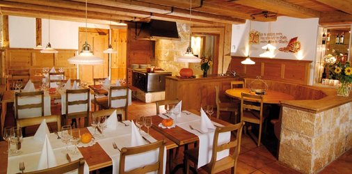Erlebnisfahrt mit PostAuto | Romantik Hotel zu den 3 Sternen, Brunegg