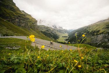 Die prächtige Alpenkulisse in mystischer Atmosphäre