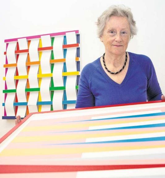 Daniel Bamerts Lebensgefährtin Edith Fasel kuratiert die posthume Kunstausstellung «Finissage» in Bamerts Atelier an der Ägeristrasse. (Bild Patrick Hürlimann)