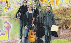 Stellen am Sonntag in Altstätten die CD «Widertäktigs» vor: (v. l.) Marcel Oetiker, Florian Mächler, Pirmin Huber und Christian Zünd. Bild zvg