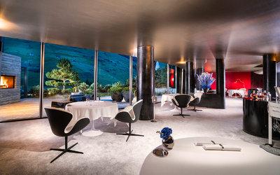 7132 Hotel: Restaurant Silver