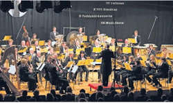 Der Musikverein Verena Wollerau spielte dieses Wochenende zum letzten Mal unter der Leitung von Dirigent Urs Bamert. Bilder Martina Petrig