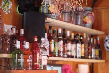Uhu-Bar: Bar