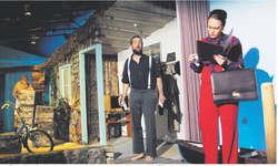Das Spiel der «Theaterlüt vo Bennau» überzeugt mit einer hervorragenden Leistung auf der Bühne und geht unter die Haut. Bild Franz Kälin