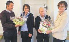 Ehrungen für Präsident und Kassierin (von links): Benno Ochsner (Rechnungsprüfer), Erika Kälin (Kassaführung), Franz Lacher (Präsident) und Ottilia Schnyder. Foto: zvg