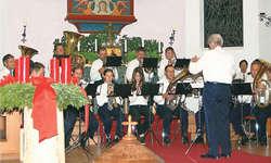 Auf Weihnachten eingestimmt: Zu den Mitwirkenden des Adventskonzertes gehörte unter anderem die Feldmusik Illgau. Bild Guido Bürgler