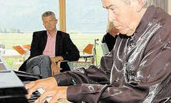 Spezielles Konzert: Carl Werner Punzmann in Steinen. (Bild Janine Schranz)
