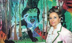 Ursula Sulser vor einem ihrer Lieblingsgemälde, «Märchenwald». Bild Kurt Kassel