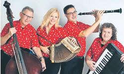 Die Ländler-Wurlitzer (von links):Hans Amweg, Cornelia Zehnder, Hanspeter Zehnder und Peter Marty. Bild zvg