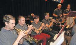 Die Feldmusik Rothenthurm überzeugte die rund 250 Besucherinnen und Besucher unter der Leitung von Markus Bolt mit einem breiten Repertoire. Bild Konrad Schuler