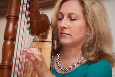 Adventskonzert mit Daniela Lorenz, Harfe