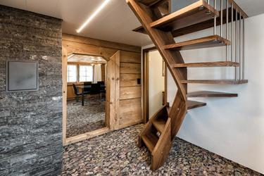 Treppe in den oberen Stock