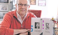 Der gebürtige Goldauer Alfred A. Fassbind hat mit seinen Biografien über die Sänger Joseph Schmidt und Max Lichtegg zwei Standardwerke geschaffen. Bild: Roger Bürgler