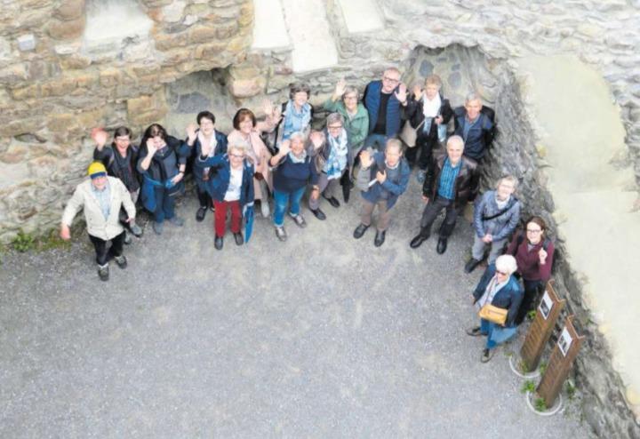 Gruppenbild mit Sängerinnen und Sängern der Kirchenchöre Baar und Steinhausen. (Bild PD)