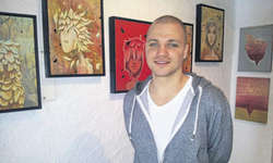 Bis im Juni hängen im Gasthaus «Stausee» in Innerthal Werke des Künstlers Marian Kretschmer. Bild zvg