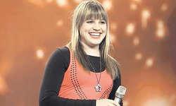 Julia Sakar hat sich mit einem eindrücklichen Auftritt ins Halbfinale gesungen. Bild SF