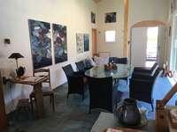 Zischtigs Café in Heidi's Malatelier in Obersaxen Mundaun