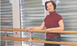 Ballettlehrerin Elena Schnider hofft, mit ihren Schülerinnen eine «unvergessliche Reise» in die Algarve zu erleben. Bild Bianca Anderegg