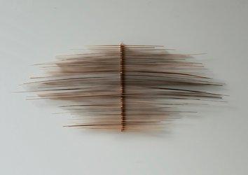 Wand-Falter, Holz, 2019, 26 x 66 cm