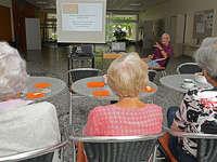 Begegnungscafé: Kontakte pflegen und Leute kennen lernen