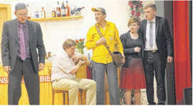 Gemeindepräsident Häberli (links) gerät unter Beschuss. Bilder Paul A. Good